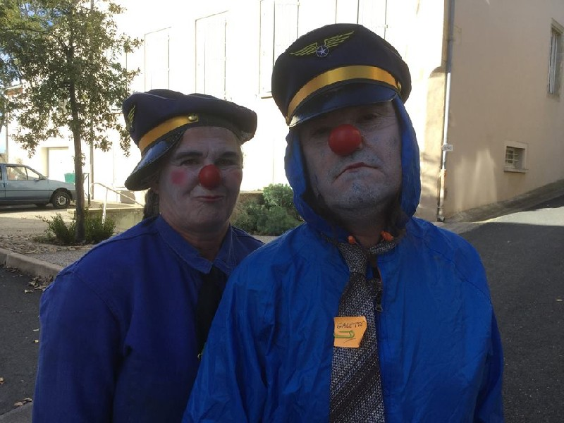 Les guides-clowns de la biennale
